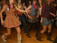 A teraz dołączają się klienci i tańczymy wszyscy razem!